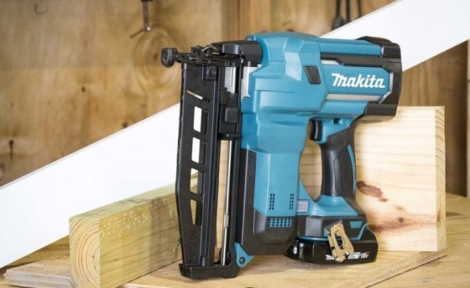 Makita Finish Nailer